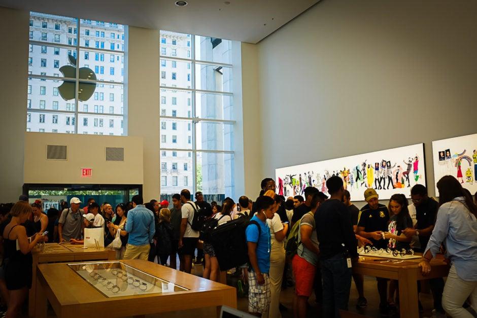 """Apple Store"" New York City, 2018"